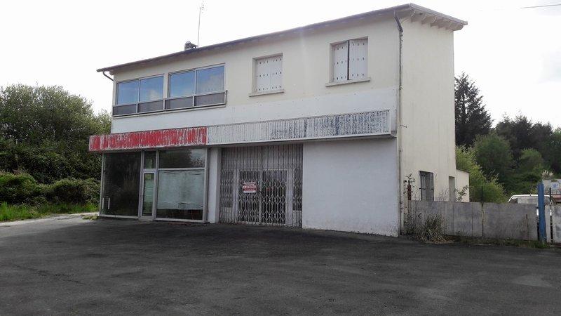 Local commercial de 555 m² situé à La Coquille