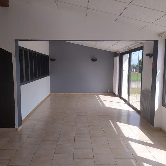 Location de trois bureaux dans un espace de travail partagé